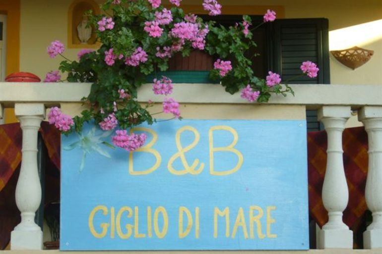 Bed and Breakfast  Giglio di Mare Giglio di mare 2.jpg
