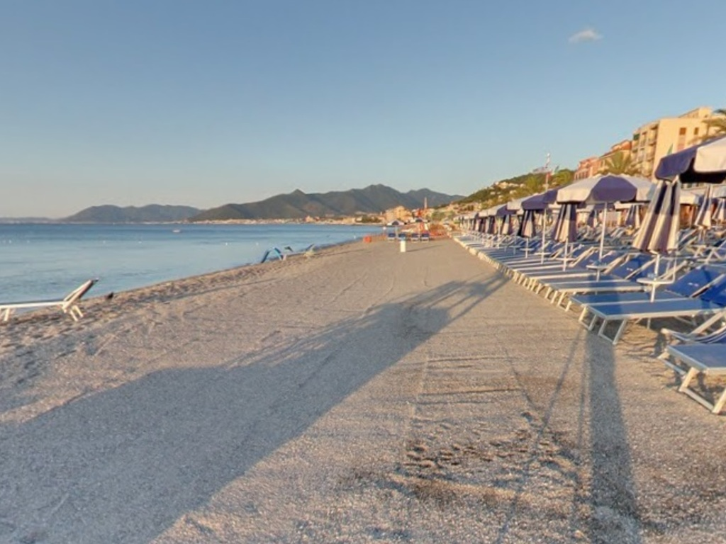 Residence a Pietra ligure, Liguria, a luglio - Offerta ...