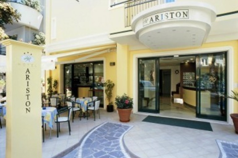 Hotel Ariston 3 stelle superior Hotel10-355x266.jpg