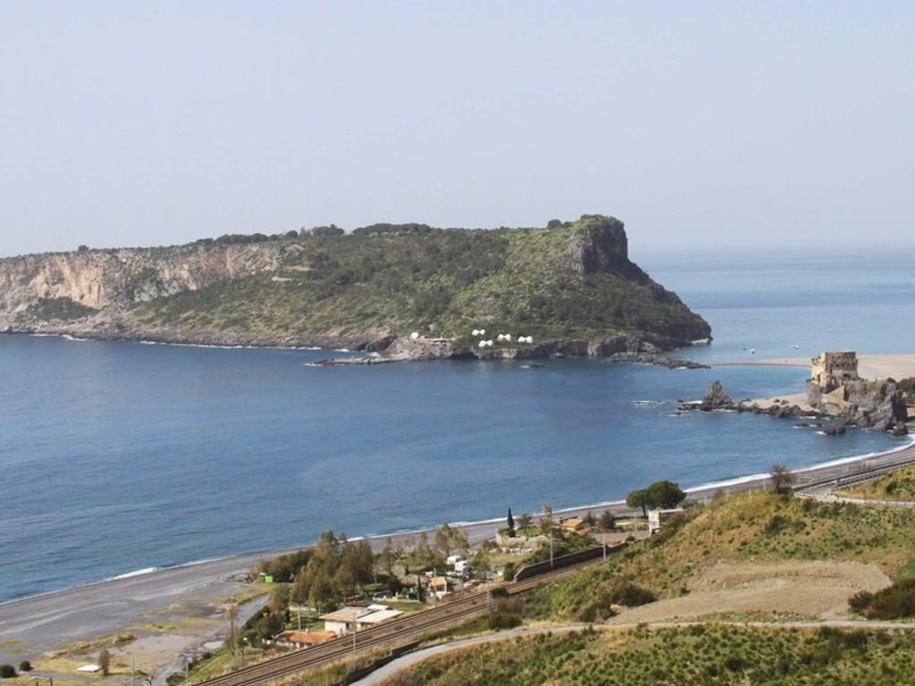Albergo a Tortora, Calabria, a giugno - Soggiorno per 2 al ...